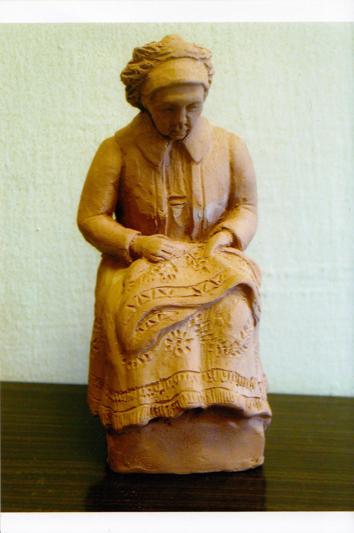 Matyó asszony, terrakotta